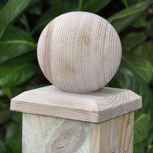 Pfostenkugel aus Holz
