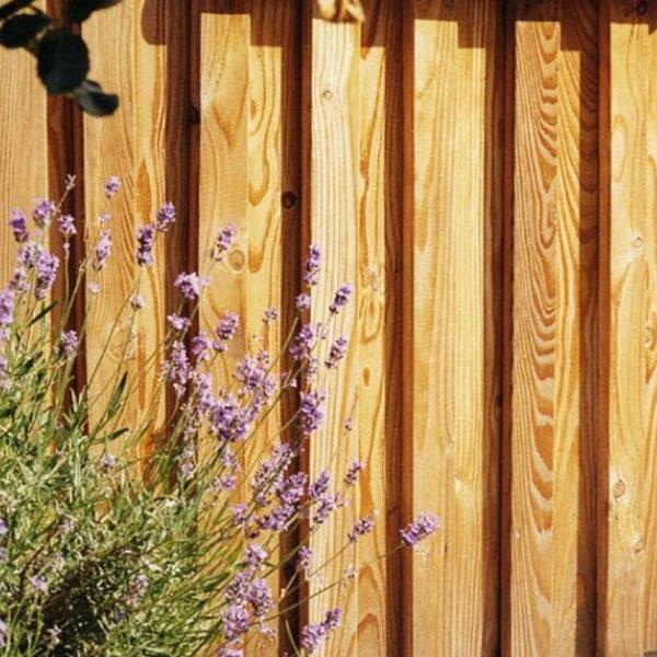 Bretter und-Bohlen aus Lärche für Fassaden